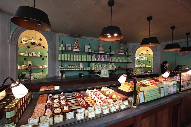 Boutique Ladurée Paris