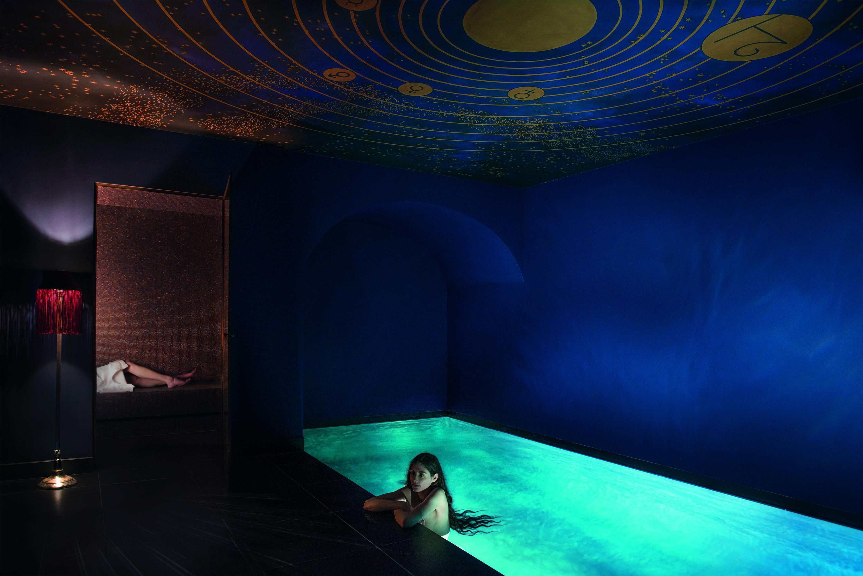 Paris maison souquet luxe calme et volupte for Salon prostitution paris